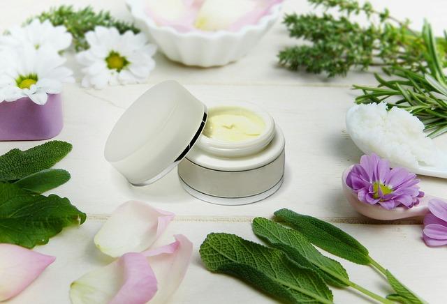 Naturkosmetik ist hilfreich gegen unreine Haut